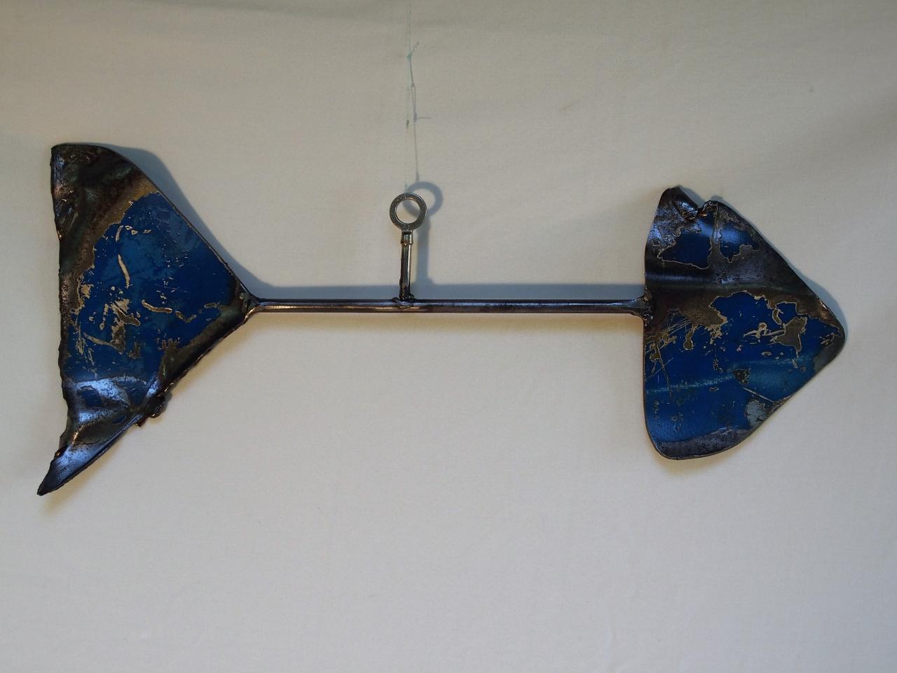 mobile poisson bleu